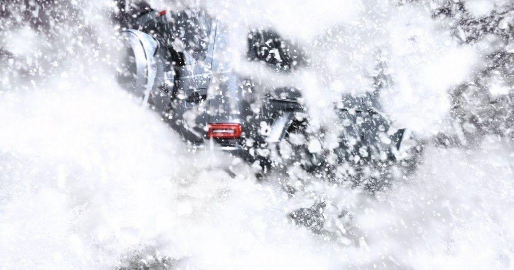 La Clase G de Mercedes-Benz 2019 se sumerge en la nieve en su último adelanto