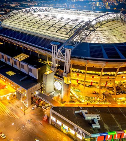 Este estadio funciona con 148 baterías Nissan Leaf