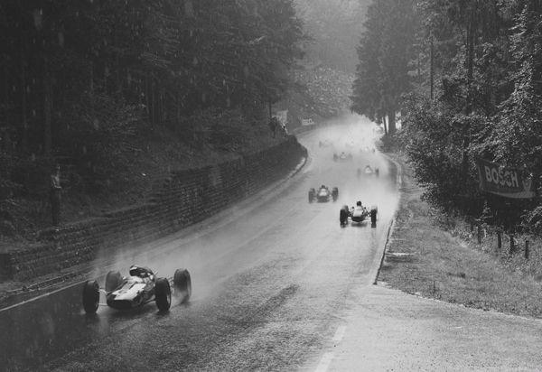 Imagen antigua de carrera en Nurburgring
