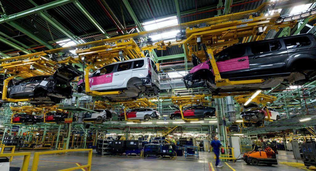 Ford cierra su planta de Valencia, después de tres trabajadores diagnosticados de COVID-19